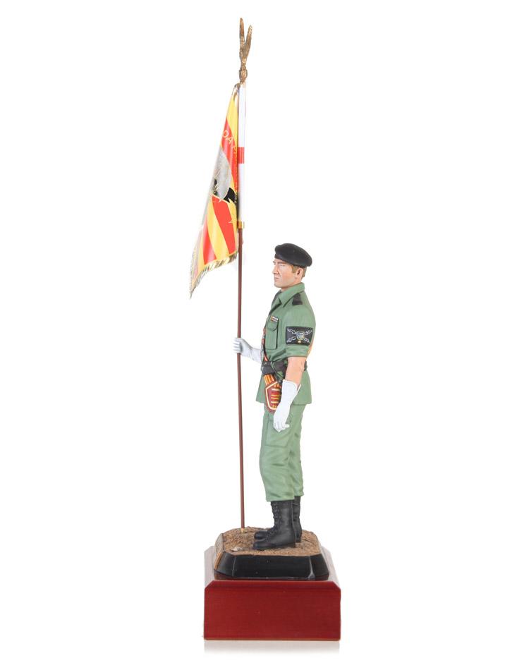 Portaestandarte Brigada Paracaidista - Ferprad